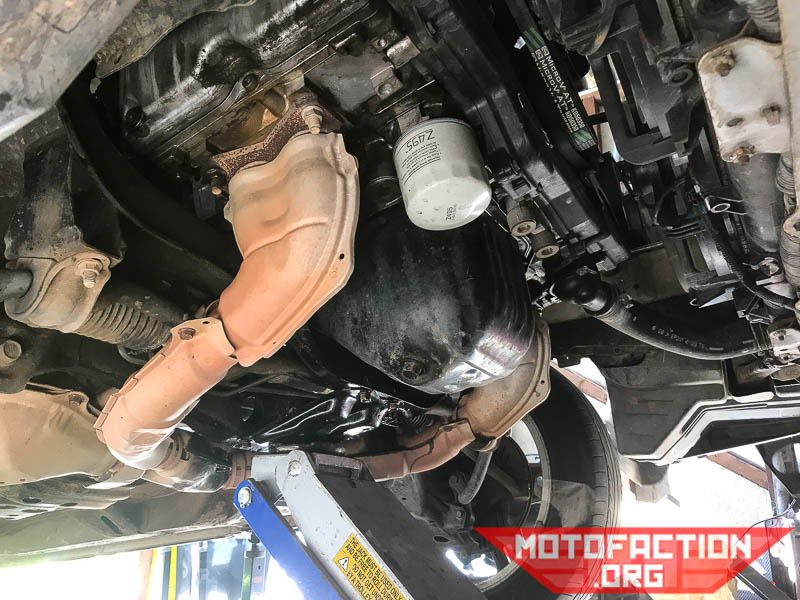 How to change the engine oil and filter on a Subaru Liberty or ...