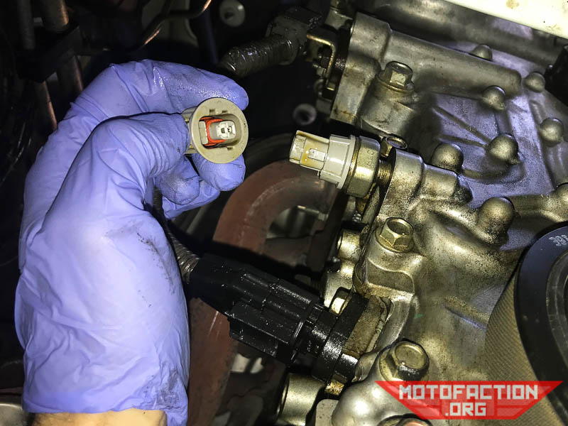 How to change the oil pressure switch - Toyota Corolla 10th