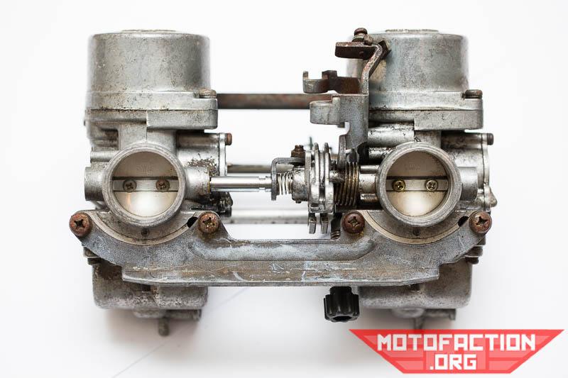 How to clean the Keihin carburetors on a Honda CB250 N motorcycle